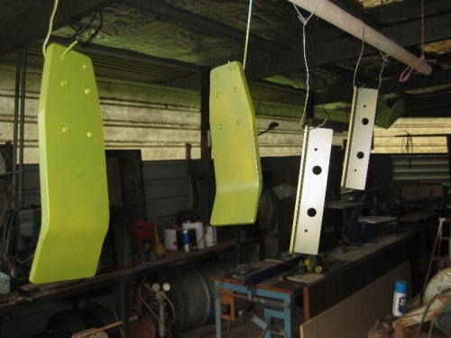 Undercarriage and wing strut brackets Primed